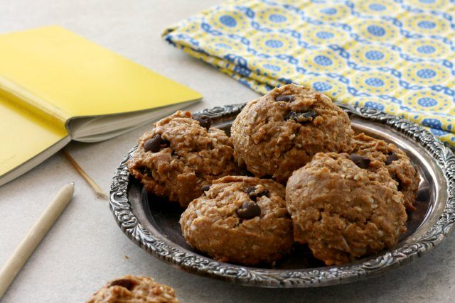 Healthy Energy Boost Cookies Recipe: If you're in search of energy boosting convenience food when you, or your kids, are on the run then this is the cookie for you.