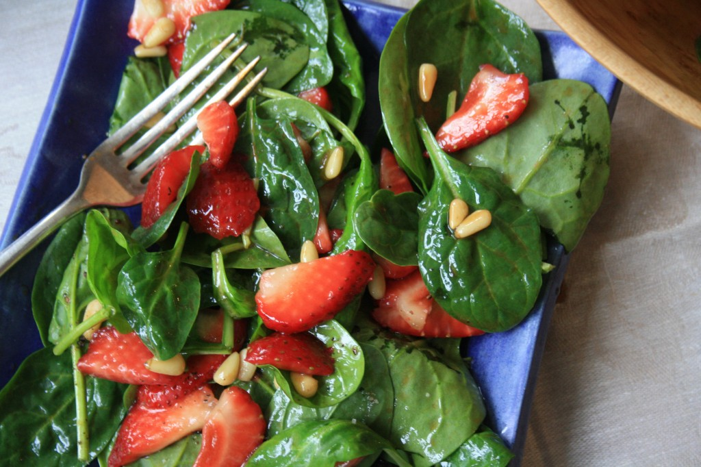 Spinach salad with strawberries and a molasses vinaigrette