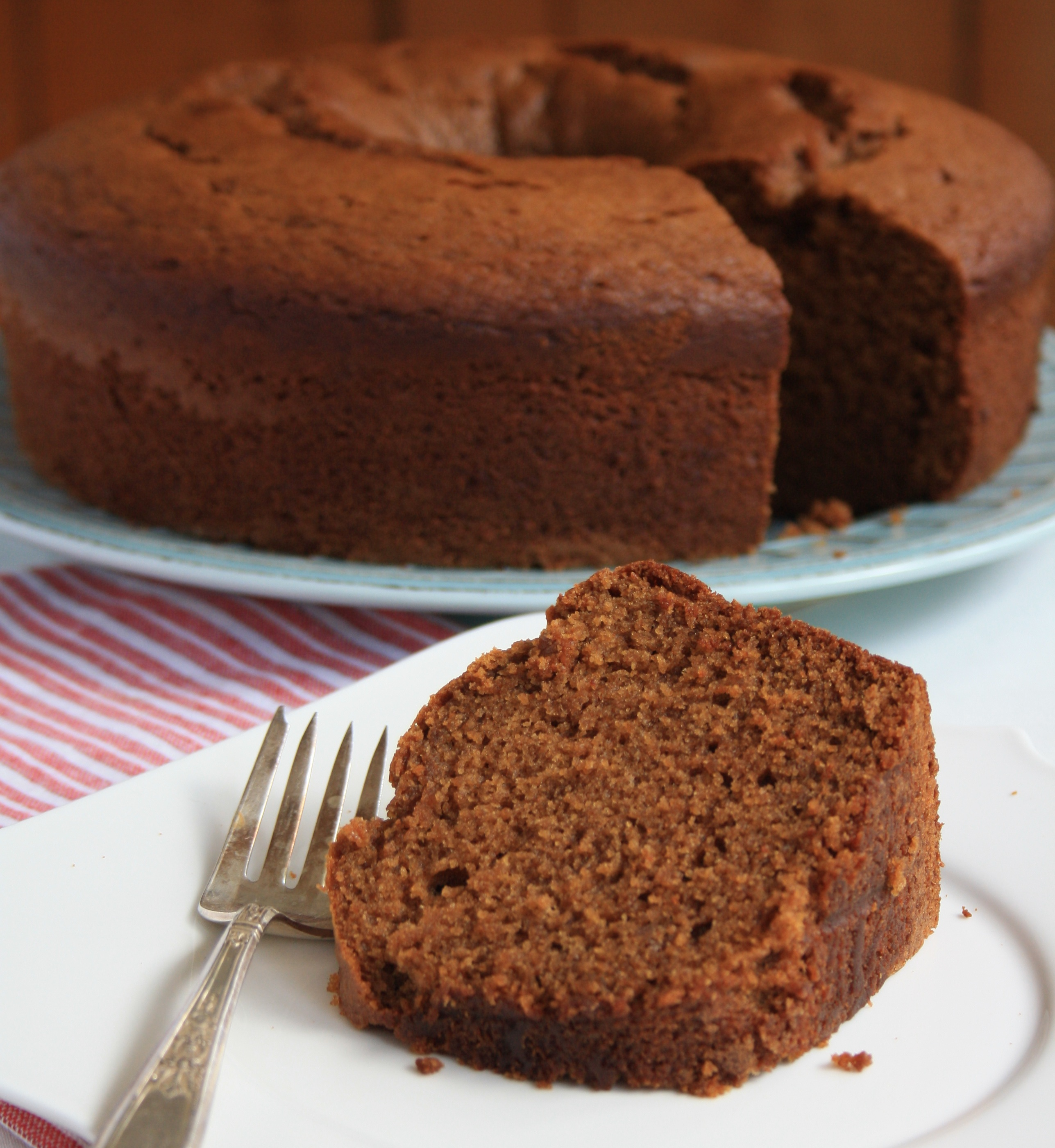 Applesauce Molasses Spice Cake