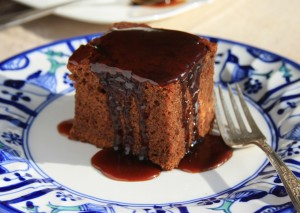 Gingerbread with toffee coffee sauce