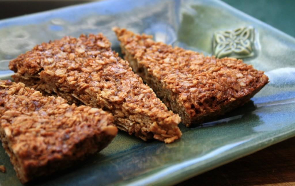 Gluten-free oatmeal flax bars