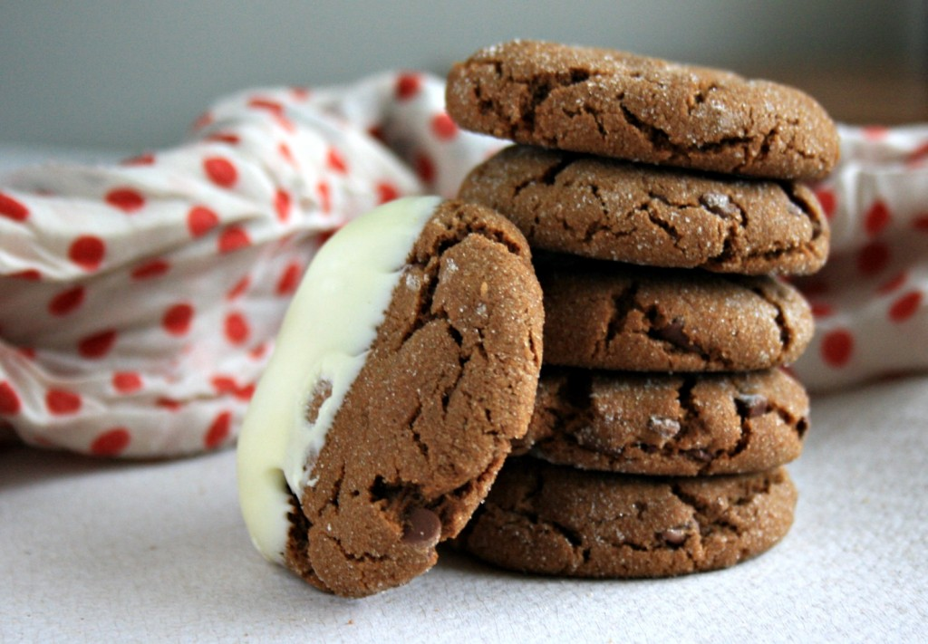 chewy chocolate molasses crinkle cookies