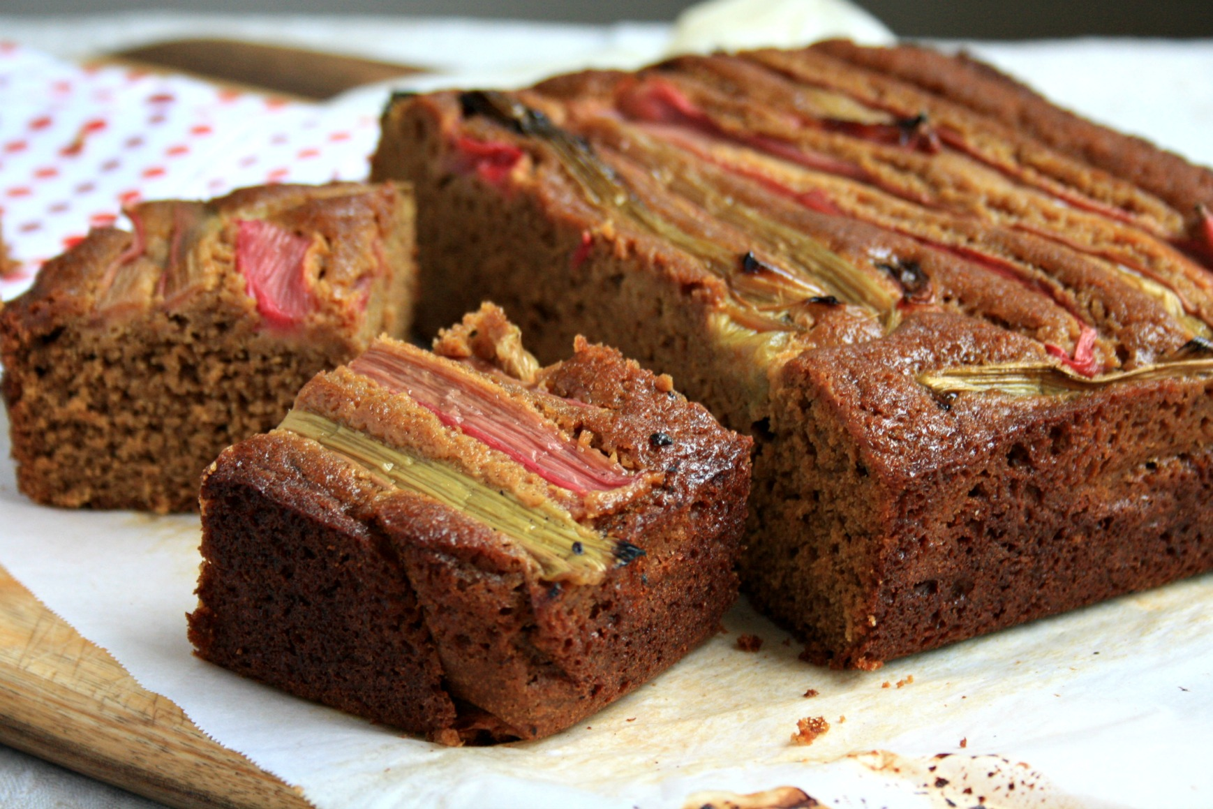 Rhubarb gingerbread cake recipe - Crosby's Molasses