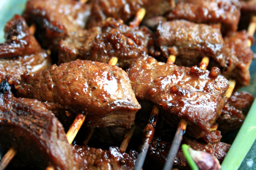 Steak kabobs with molasses chili marinade
