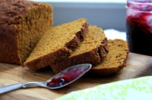 Pumpkin spice bread with molasses and ginger