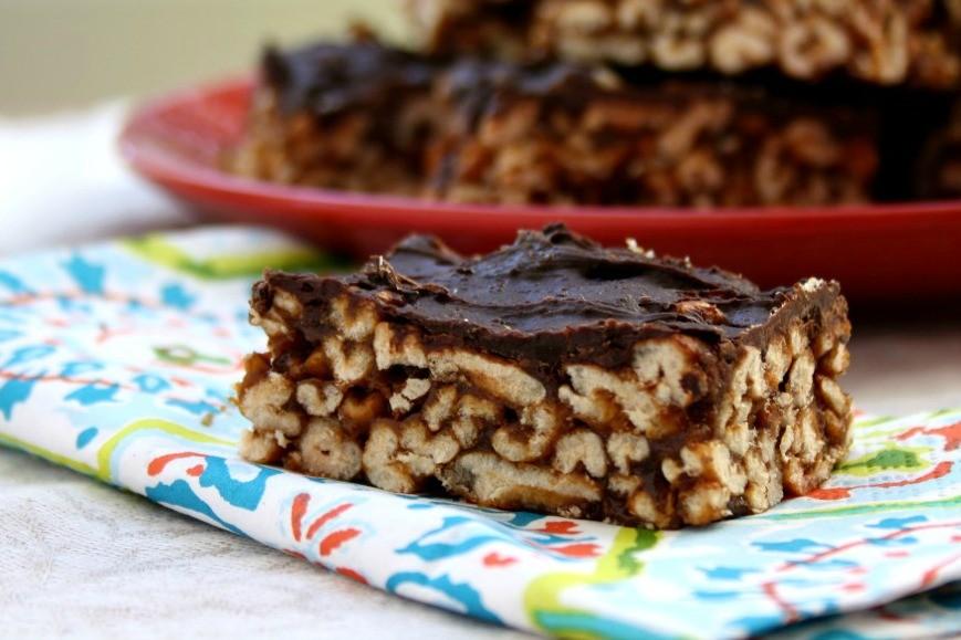 Crispy almond butter granola bars are no-bake and gluten