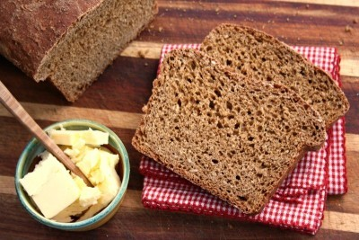 Sarah's molasses brown bread, a moist, chewy oatmeal brown bread recipe