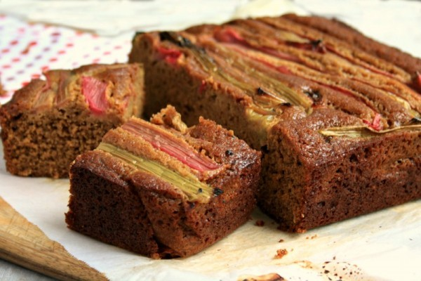 Roasted rhubarb gingerbread