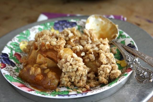 ginger pear apple crisp