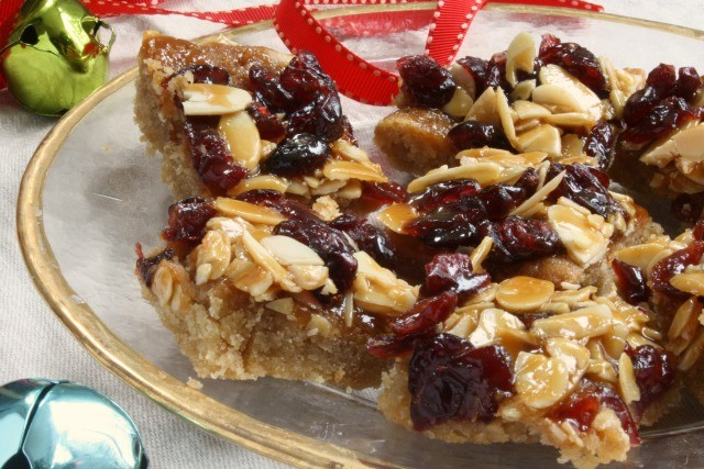 Cranberry Almond Jingle Bars
