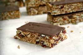 gluten free coconut cranberry granola bars