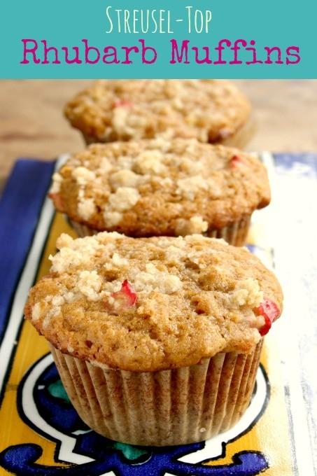 streusel top rhubarb muffins
