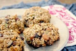 hearty granola cookies