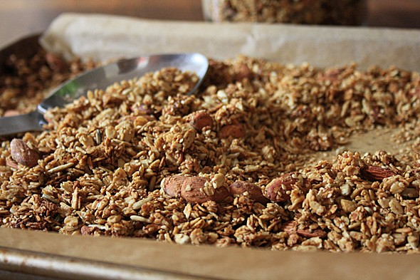 Simple molasses granola