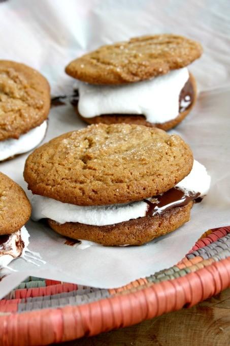 chewy molasses crinkle cookies