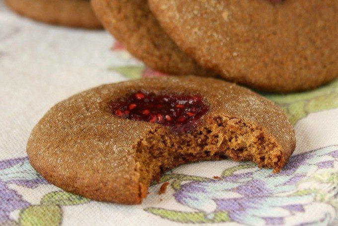 Biscuits mous à la mélasse à l'empreinte de tante Marcia