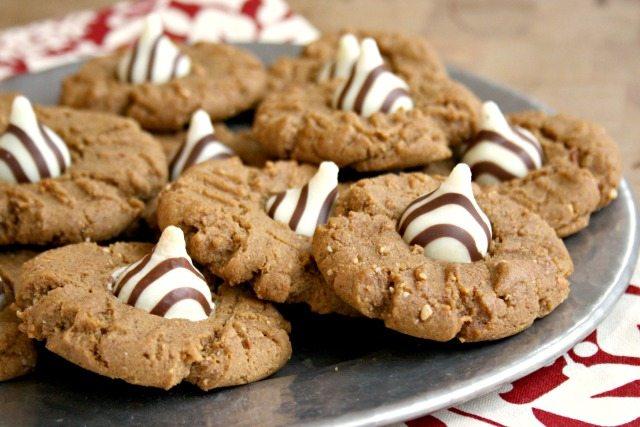festive peanut butter molasses cookies