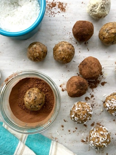 Oatmeal Peanut Butter Energy Bites: A wholesome, sweet treat filled with chia, flax, hemp and more.