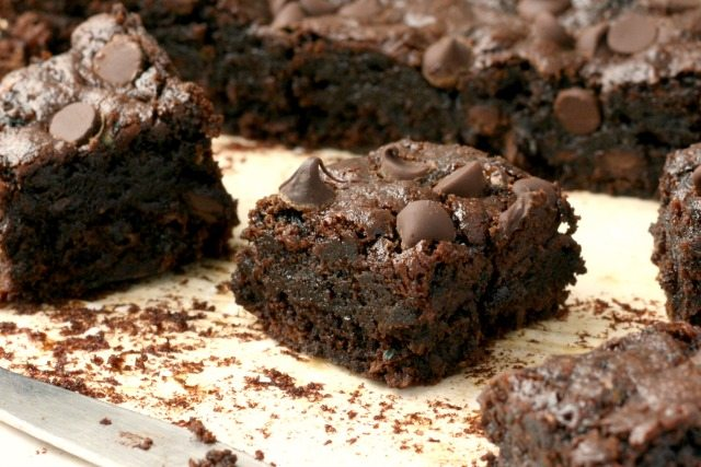 Chocolate Chip Zucchini Brownies, wholesome brownies, filled with zucchini, flax and chocolate chips.