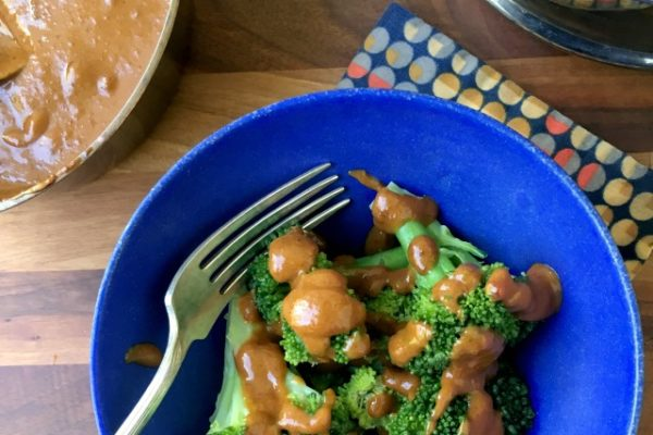 Try this (not too) spicy peanut sauce. Quick to mix up, tasty and versatile, this multi-purpose sauce is your ticket to healthier eating.