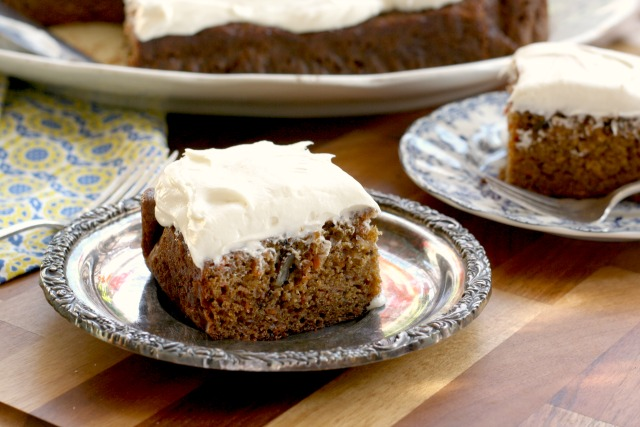 carrot cake for a crowd - easy to make and healthyish