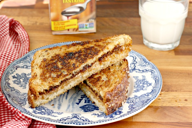 Grilled peanut butter and molasses sandwich: a grilled-to-perfection take on the old-time PB & M combo. Crispy and golden on the outside and melty in the middle, this humble sandwich is positively decadent.