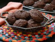gluten-free chocolate chia ookies.
